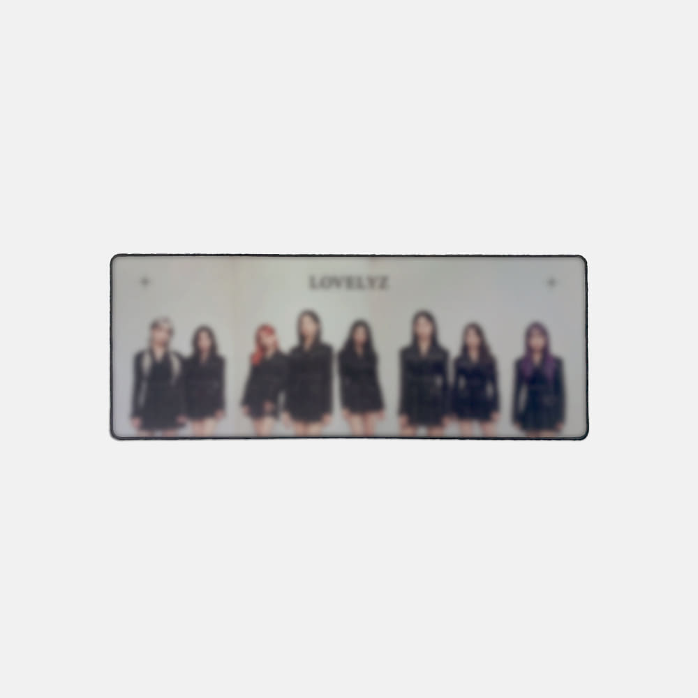 LOVELYZ DESK MAT